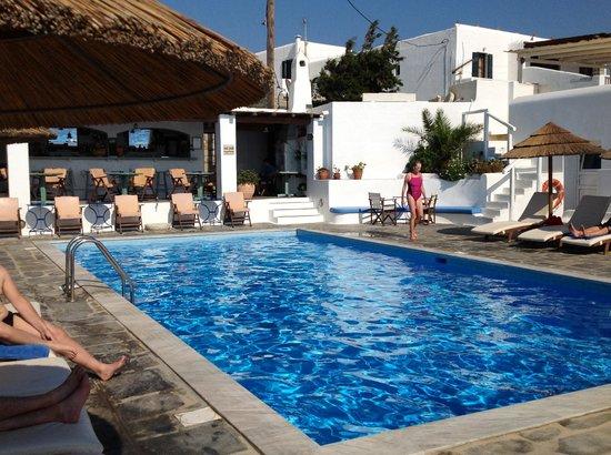 Hotel Tagoo: The pool area.... Fabulous!!!!!