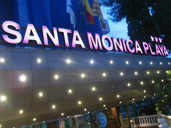 Santa Monica Playa: Вход в отель