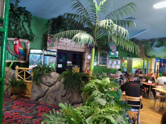 Tabatinga Entertainment Centre & Cafe: inside view