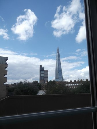 Premier Inn London Tower Bridge Hotel: View from our room 116