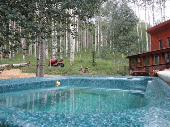 Spirit Mountain Ranch: HotTub Enjoyment