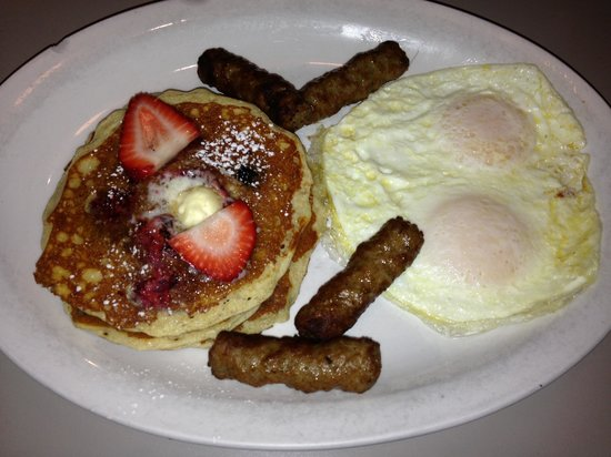 Egg Harbor Cafe: The new Berry Pancakes