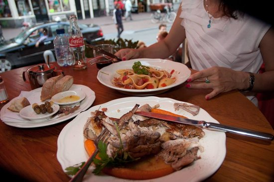 Trattoria Caprese Amsterdam : Pork and pasta.