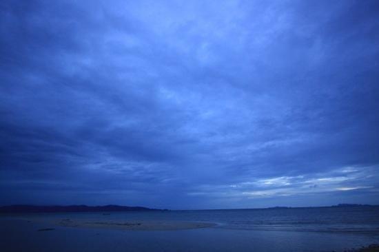 V-View Beach Resort: sunset