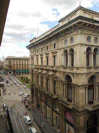 UNA Maison Milano: Vista da janela do quarto