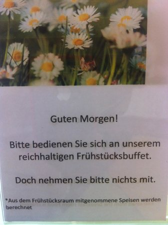 Renningen, Germania: Sign at breakfast table