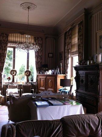 Manoir Ormille Bed and Breakfast: Livingroom