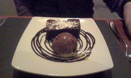 Rose & Crown: Dark Chocolate Brownie