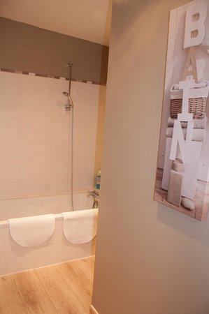 Relais Saint-Loup: La salle de bain