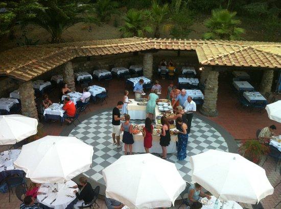 Grand Hotel Hermitage & Villa Romita: vue sur endroit du dîner près de la piscine