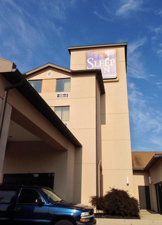Sleep Inn & Suites Hagerstown: Outside view