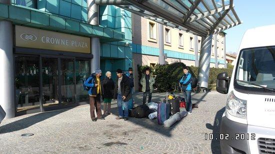 Crowne Plaza Milan - Malpensa Airport: Присутствует свой автобус для клиентов