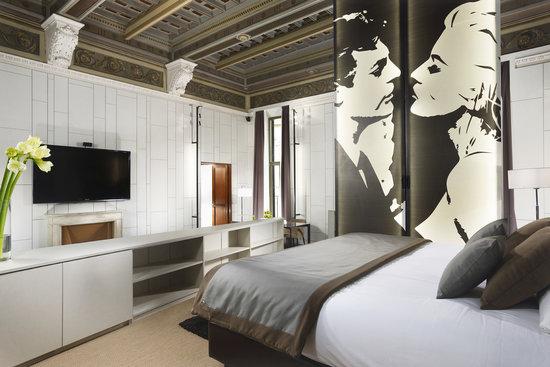 Piazza Del Gesu Luxury Suites Rome Italy Hotel