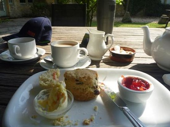 Dial House Hotel: My cream tea before I scoffed the rest!
