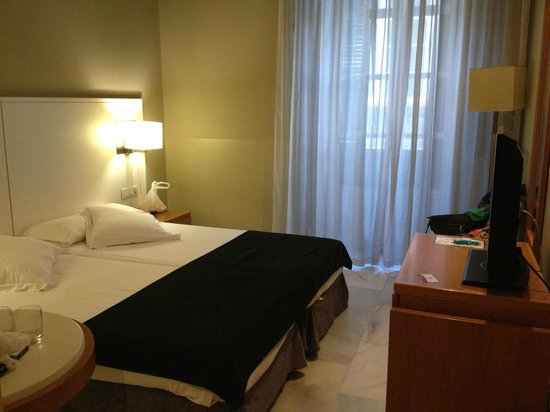 Atarazanas Malaga Boutique Hotel : Наш номер