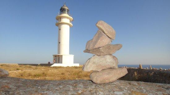 Faro de Cabo de Berbería (Far de Barbaria): es cap de barbaria