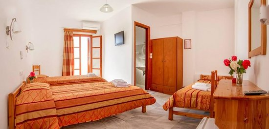 Village Twins: Triple room.