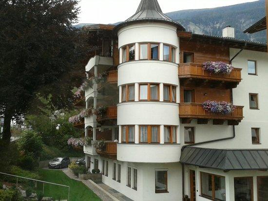 Hotel Schwarzbrunn: Vue depuis le balcon de la chambre