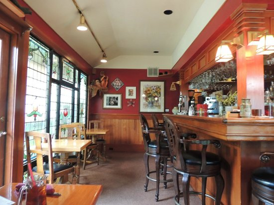 The Shelburne Restaurant & Pub: Inside the Pub