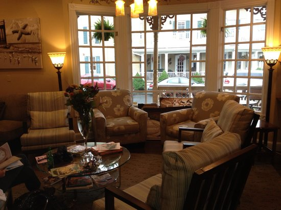 The Ocean Plaza: Living Room