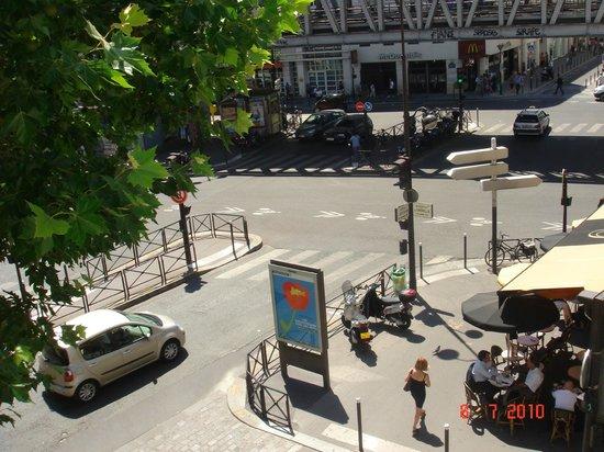 Hotel Tourisme Avenue: Vista do quarto