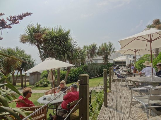 Old Coastguard Hotel: having lunch on the patio overlooking the sea
