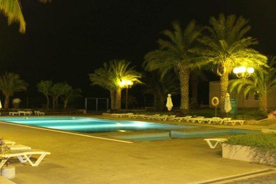 Pestana Tropico Hotel : piscina e acesso ao bar