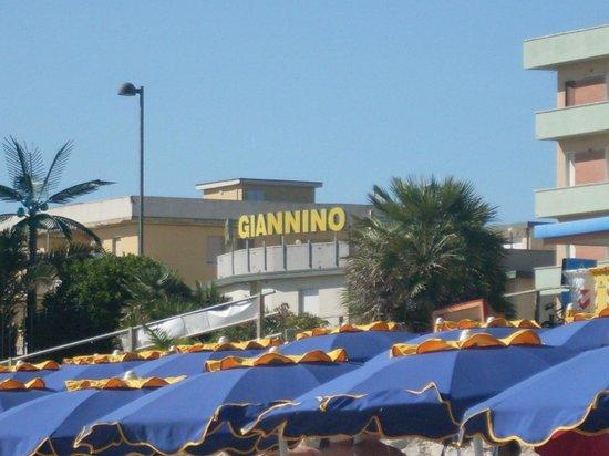 Hotel Ristorante Giannino: foto dalla spiaggia