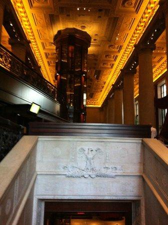 Del Frisco's Double Eagle Steakhouse: Entrance