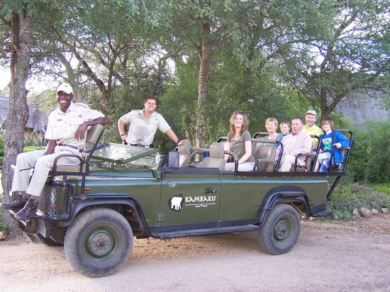 Kambaku Safari Lodge: Open jeep safari with Bryce, our super knowledgeable guide and host