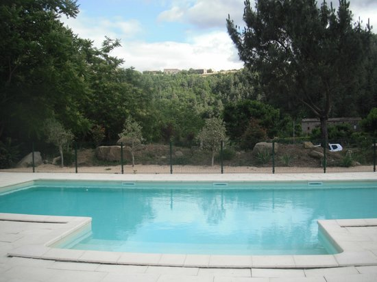 Domaine de L'Eau Vive : Pool with a view