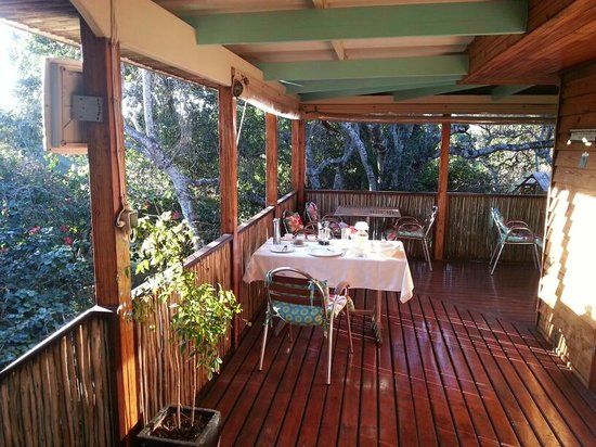 Face Tranquility B&B: Breakfast on the veranda