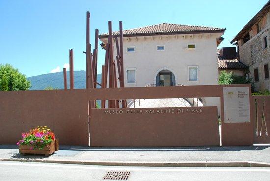 Fiave, Italien: Vista esterna del museo a Fiavè