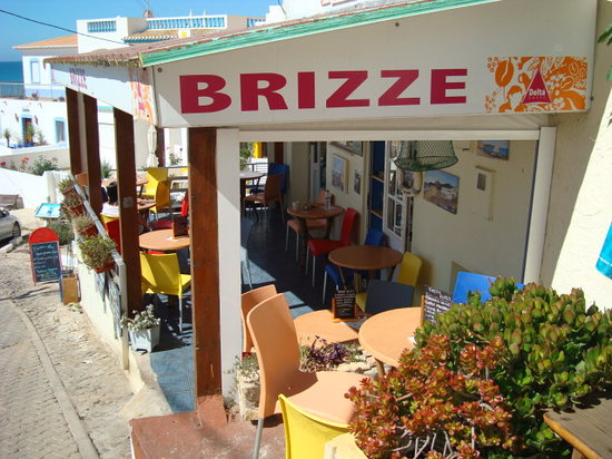 Brizze Bar: Excellent views of the sea