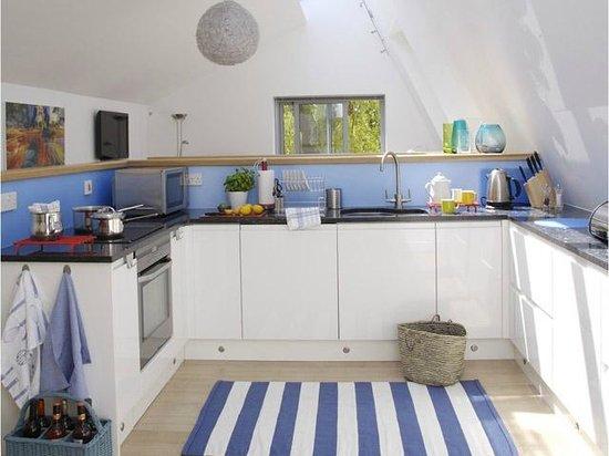 Willow Tree Barn: Kitchen