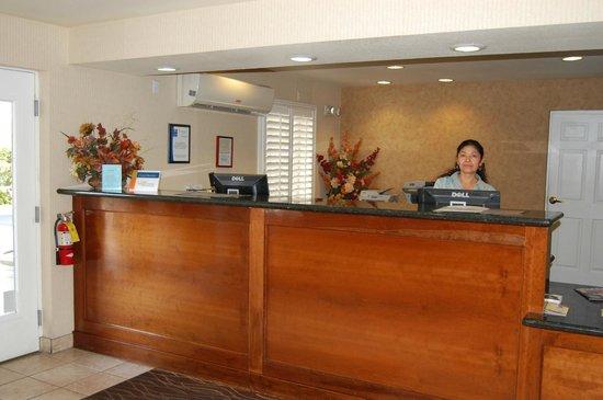 Red Roof Inn Las Vegas: Reception