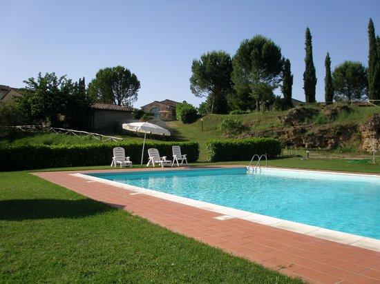 Antico Borgo San Lorenzo: Pool