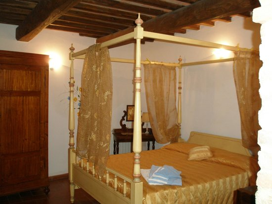 Antico Borgo San Lorenzo: Schlafzimmer