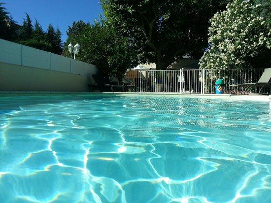Hotel Le Printemps : la piscine
