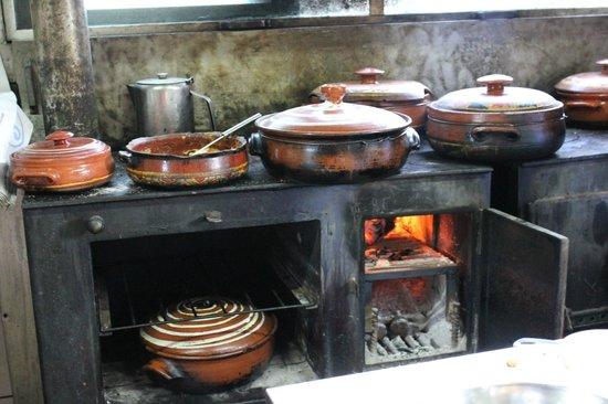 Δρακόνα, Ελλάδα: Μαγειρείο...