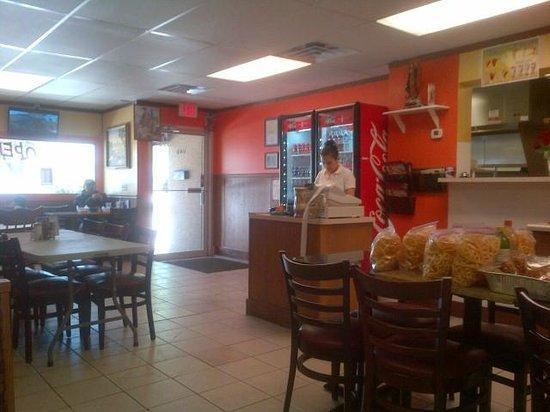 La Fuente Restaurant: Entrance & Dining Area