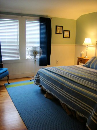 Newagen Seaside Inn: Sheepscot Bay master bedroom