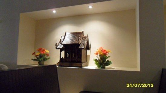 Thai House Cuisine - OPEN : lovely decor