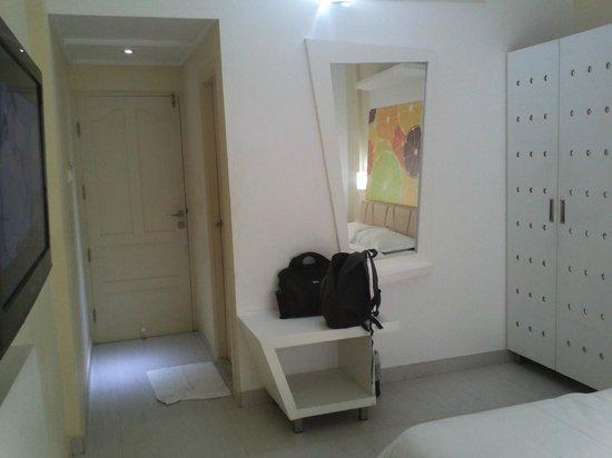 Hotel Millennium Continental: Room