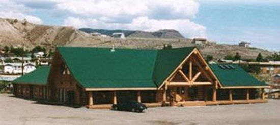 Bear's Claw Lodge: Exterior of Hotel