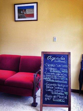 Hotel Parador Crespo: Agenda cultural todos los días en el lobby del hotel