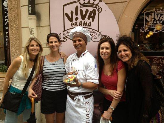 Choco Cafe U Cervene Zidle: Girls with owner