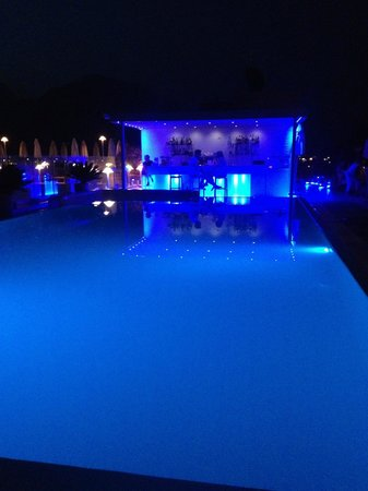 Hotel Kristal Palace - Tonelli Hotels: Roof Top Pool/Bar