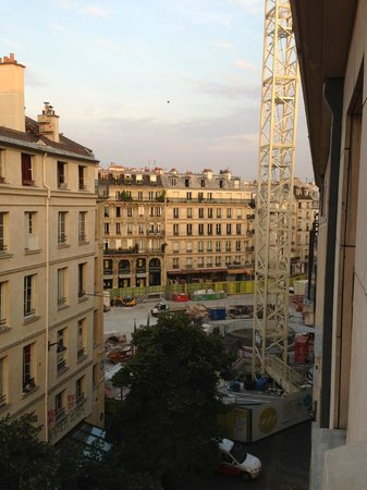 Citadines Les Halles Paris: Looking out from Hotel window