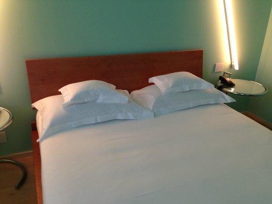 Petronilla Hotel: Il letto